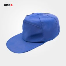 کلاه لبه دار یونکس جلو تلویزیونی آبی